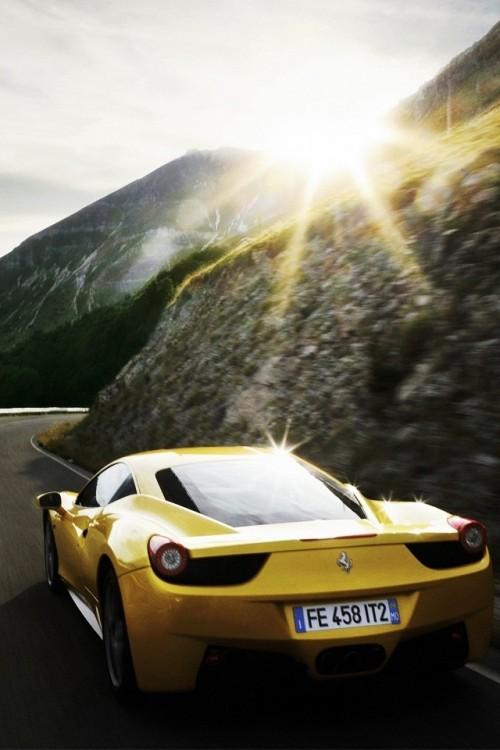 ferrari_458_italia_amarela.jpg
